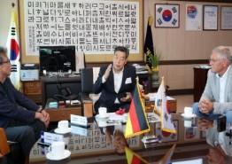 태안군, 독일 해양치유 전문가 초청 '군 사업대상지 호평 받아'
